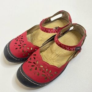 J-41 Red Lotus Flower Shoes 397
